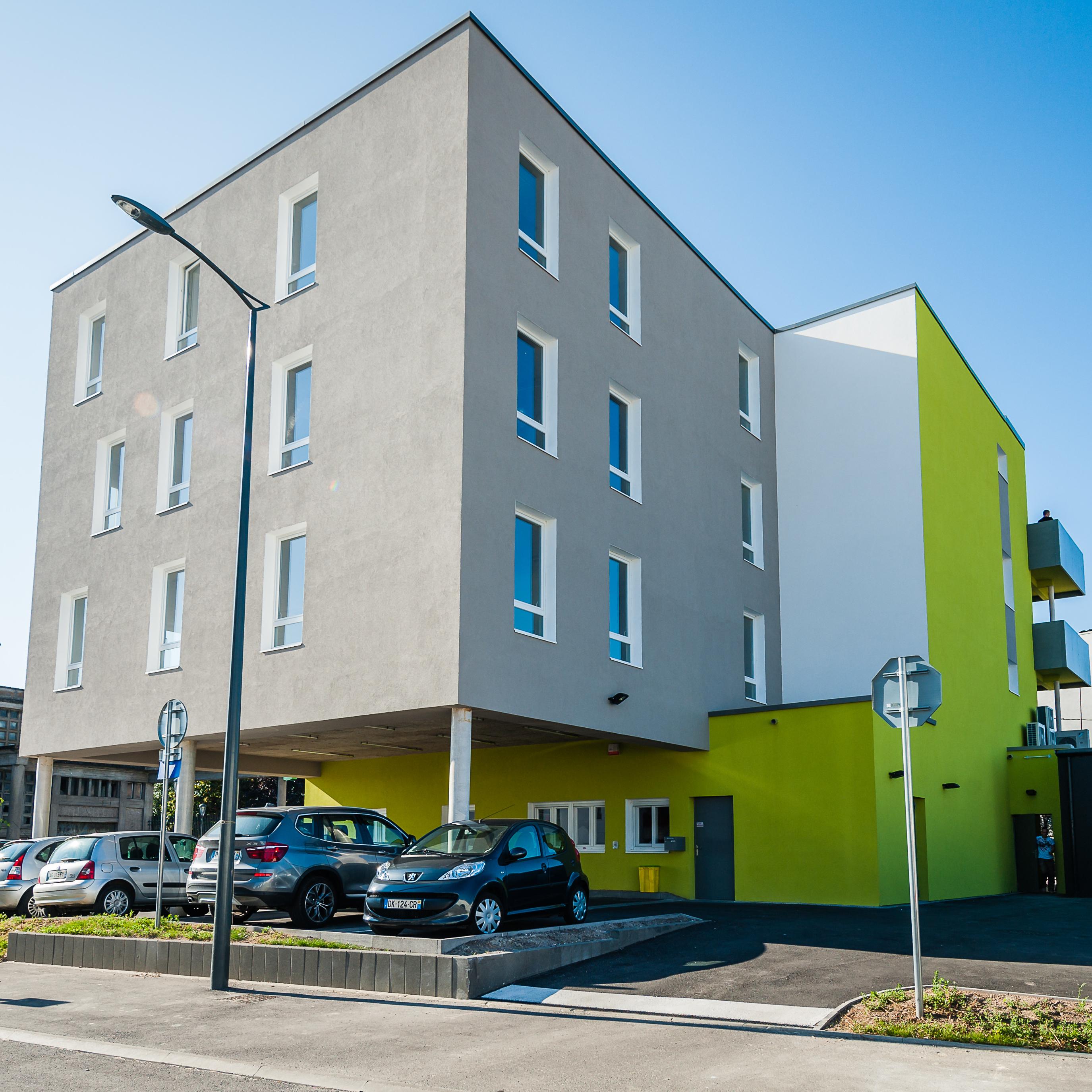 facade-parking